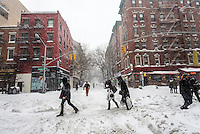 New York, NY 23 January 2016 Winter Storm Jonas hit New York City. New York Governor Andrew Cuomo and NYC Mayor Bill de Blasio put a travel ban into effect, banning non-emergency vehicles from the streets until tomorrow (Sunday.) Subway and bus service was suspended for the duration of the storm. As of 7pm, 25.1 inches of snow had fallen in Central Park. There were over 300 car accidents and three people had died shoveling snow. ©Stacy Walsh Rosenstock/Alamy Live News