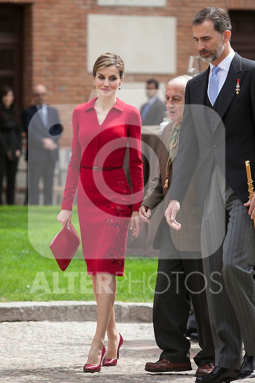 Spanish Royals King Felipe VI of Spain (R), Queen Letizia of Spain and awarded writer Juan Goytisolo during `2014 Cervantes Award´ at Alcala de Henares University in Alcala de Henares, Spain. April 23, 2015. (ALTERPHOTOS/Victor Blanco)