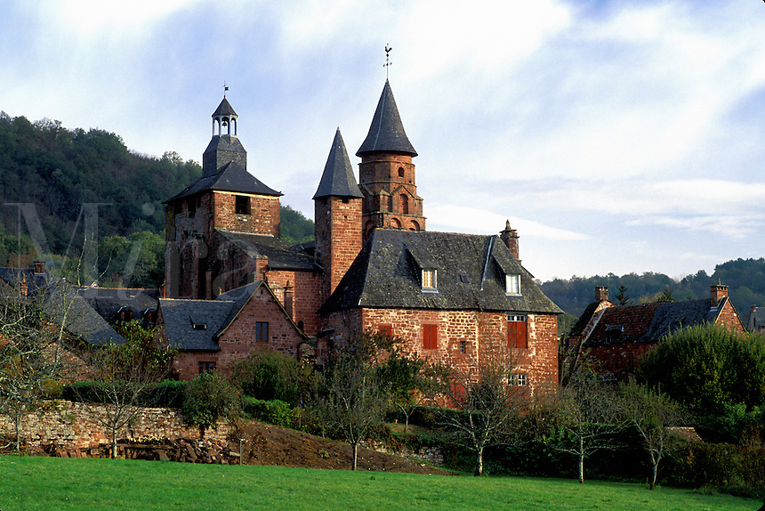 Perigord, Dordogne, Limousin, France, Collonges-la-Rouge, Europe, Scenic view of the medieval village of Collonges-la-Rouge made entirely of bright red sandstone.