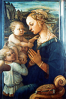 Renaissance Art:  Filippo Lippi--Our Lady with the Child and Angels.  Galleria Uffizi.