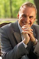 Alain Bouchard prÈsident du groupe Couche Tard photographiÈ pour Affaire Plus juin 2004<br /> Par Christian fleury