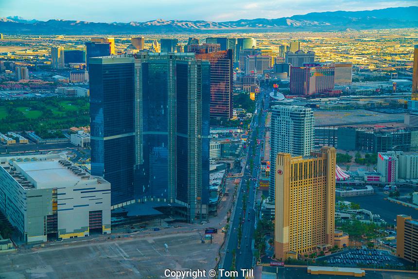 Las V egas at sunset, Las Vegas. Nevada , The Strip