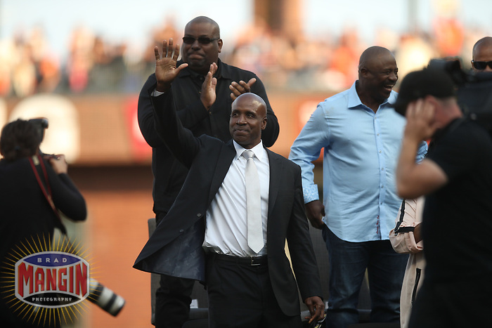 SAN FRANCISCO, CA - AUGUST 11:  Former San Francisco Giants player Barry Bonds smiles after delivering his speech during the ceremony to retire his #25 jersey before the game between the Pittsburgh Pirates and San Francisco Giants at AT&T Park on Saturday, August 11, 2018 in San Francisco, California. (Photo by Brad Mangin)