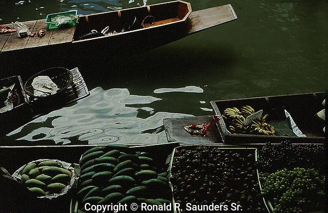 FRUITS AND VEGETABLES FOR SALE AT THAILAND FLOATING MARKET