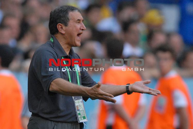 FIFA WM 2006 -  Gruppe F Vorrunde ( Group F )<br /> Play    #27 (18-Jun) - Brazil vs Australia<br /> <br /> Trainer Carlos Alberto Parreira (BRA)<br /> <br /> Foto &copy; nordphoto