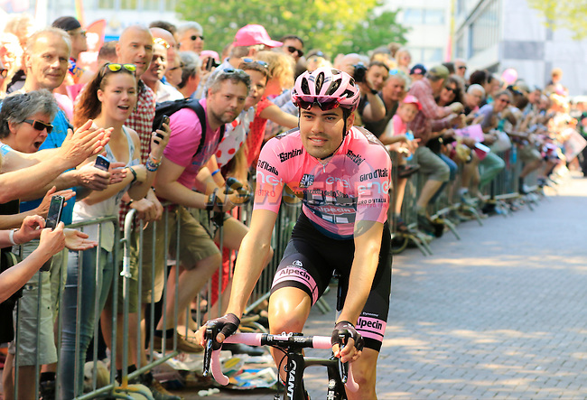 Race leader Tom Dumoulin (NED) Team Giant-Alpecin wearing the Maglia Rosa arrives at sign on before the start of Stage 2 of the 2016 Giro d'Italia running 190km from Arnhem to Nijmegen, The Nethrerlands. 7th May 2016.<br /> Picture: Eoin Clarke | Newsfile<br /> <br /> <br /> All photos usage must carry mandatory copyright credit (&copy; Newsfile | Eoin Clarke)