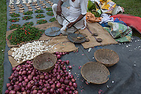 India – West Bengal: An open-street market in the Dooars region. The area is home to 150 tea gardens. The Indian tea industry is worth 3 billion USD a year, with almost a quarter of it coming from exports.