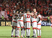 CALI - COLOMBIA, 28-11-2019: Jugadores del Santa Fe oran previo al partido por la fecha 6, cuadrangulares semifinales, de la Liga Águila II 2019 entre América de Cali e Independiente Santa Fe jugado en el estadio Pascual Guerrero de la ciudad de Cali. / Players of Santa Fe prey prior the match for the date 6, quadrangular semifinals, as part of Aguila League II 2019 between America de Cali and Independiente Santa Fe played at Pascual Guerrero stadium in Cali. Photo: VizzorImage / Gabriel Aponte / Staff