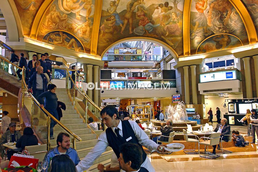 Lojas da Galeria Pacifico em Buenos Aires. Argentina. 2008. Foto de Caio Vilela.