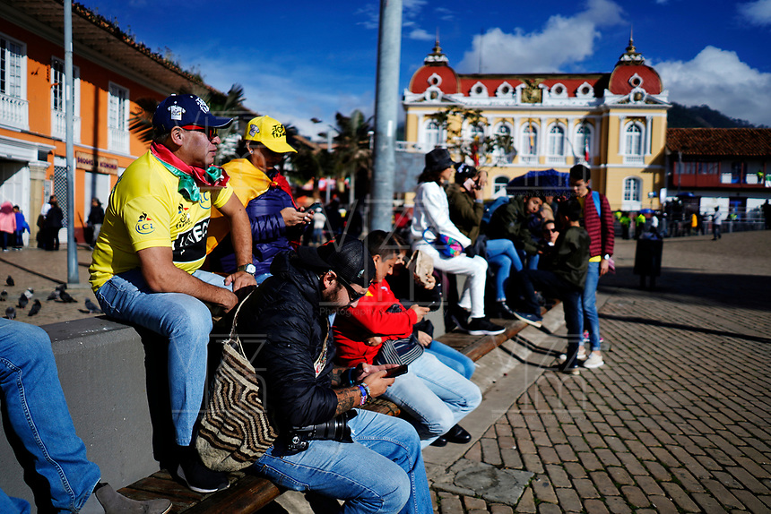 ZIPAQUIRA - COLOMBIA, 07-08-2019: Ambiente en la ciudad de Zipaquirá hoy, 7 de agosto de 2019, previo al homenaje a Egan Bernal, ciclista colombiano, por el triunfo en el Tour de Francia 2019. / General atmosphere at Zipaquira today, August 7, 2019, prior the tribute to Egan Bernal, Colombian cyclist, for his victory in the Tour de France 2019. Photo: VizzorImage / Diego Cuevas / Cont