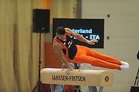 TURNEN: HEERENVEEN: 19-09-2015, Turninterland   In voorbereiding op WK turnen in Glasgow, herenturnen in Heerenveen, interland Nederland -Italië- België, Winnaar Team Nederland, Jeffrey Wammes, ©foto Martin de Jong