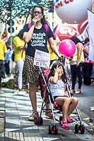 SÃO PAULO,SP, 08.03.2017 - DIA- MULHER - Mulheres ligadas a movimentos sociais e sindicalistas se reúnem na Praça da Sé em São Paulo (SP), para protestar contra a Reforma da Previdência e a violência contra as mulheres, contra o presidente Michel Temer e pela legalização do aborto, nesta quarta-feira (08). Os manifestantes seguiram em caminhada pelo centro da capital, até o prédio da Prefeitura de SP, nesta quarta-feira, 08. (Foto: Danilo Fernandes/Brazil Photo Press)