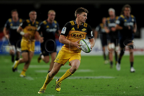 05.03.2016. Dunedin, New Zealand.  Beauden Barrett of the Hurricanes in action, during the Super Rugby match between the Highlanders and the Hurricanes, at Forsyth Barr, Dunedin, New Zealand, 5 March 2016.