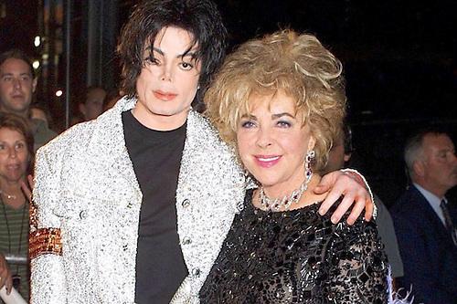 Michael Jackson con su gran amiga Elizabeth Taylor.