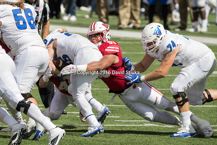 Wisconsin Badgers linebacker T.J. Edwards (53) makes a tackle during an NCAA college football game against the Georgia State Panthers Saturday, September 17, 2016, in Madison, Wis. The Badgers won 23-17. (Photo by David Stluka)