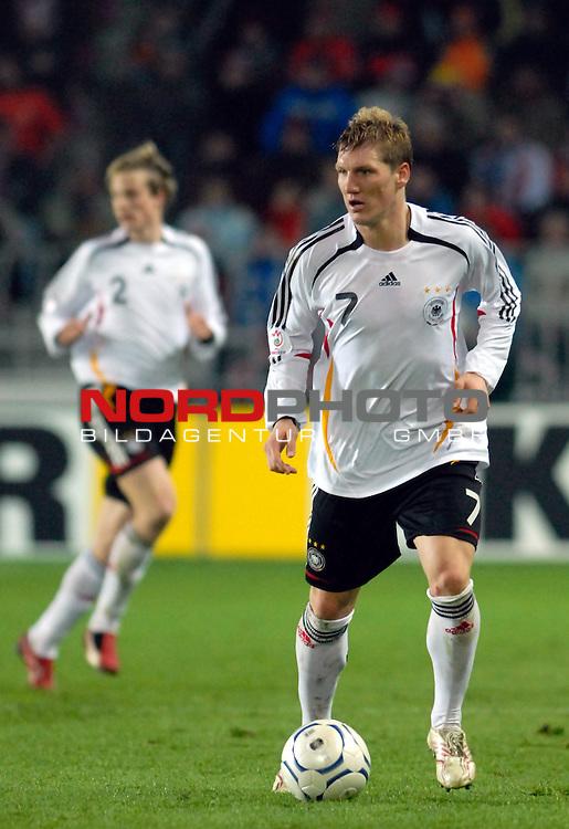 EM 06/07 Qualifikation Gruppe: D - <br /> Europameisterschafts-Endrunde<br /> <br /> Tschechien ( CZE ) - Deutschland ( GER ) 1 - 2<br /> <br /> Bastian Schweinsteiger<br /> <br /> Foto :&copy; nph (nordphoto)  *** Local Caption ***
