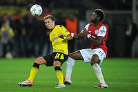 FUSSBALL   CHAMPIONS LEAGUE   SAISON 2011/2012  Borussia Dortmund - Arsenal London        13.09.2001 Mario GOETZE (li, Dortmund) gegen Alex SONG (re, Arsenal)