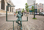 BRUSSELS - BELGIUM - 22 June 2016 -- Brussels city - Pieter Bruegel statue by Tom Frantzen by the Kapellenmarkt. -- PHOTO: Juha ROININEN / EUP-IMAGES Käyttöoikeus: vain ET brändi