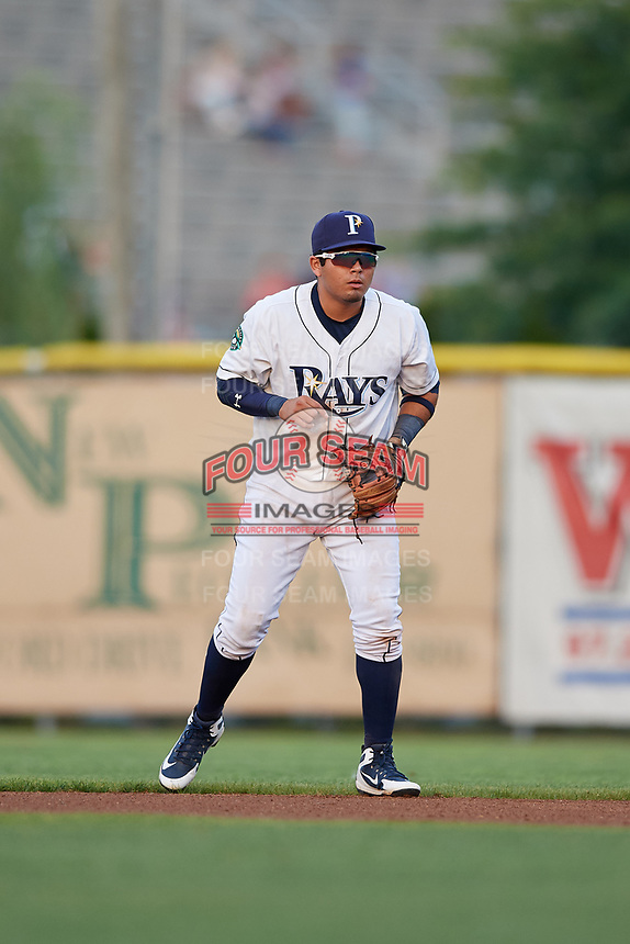 Princeton Rays second baseman Jonathan Aranda (17) during the second game of a doubleheader against the Johnson City Cardinals on August 17, 2018 at Hunnicutt Field in Princeton, Virginia.  Princeton defeated Johnson City 12-1.  (Mike Janes/Four Seam Images)