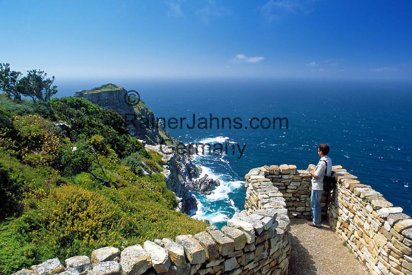 ZAF, Suedafrika, Kapstadt, Kap-Halbinsel Nationalpark: Ausblick auf Cape Point   ZAF, South Africa, Cape Town, Cape Peninsula National Park: viewpoint at Cape Point