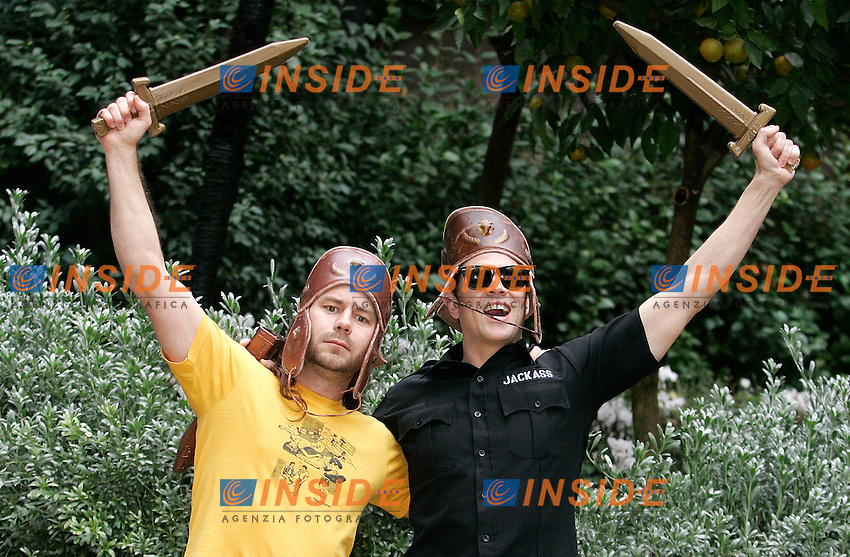 Johnny Knoxville e Chris Pontius .Roma 01/12/2010 Jackass 3D - Photocall - Hotel De Russie, Rome..Photo Zucchi Insidefoto