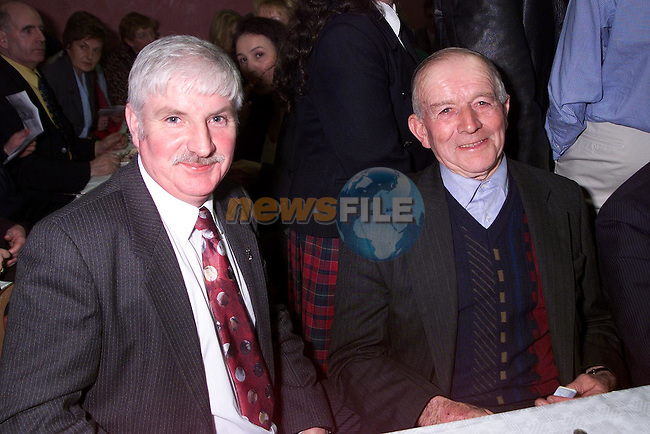 Gerry Brennan and Jim Osbourne at Aclint National School's reunion..Picture Paul Mohan Newsfile