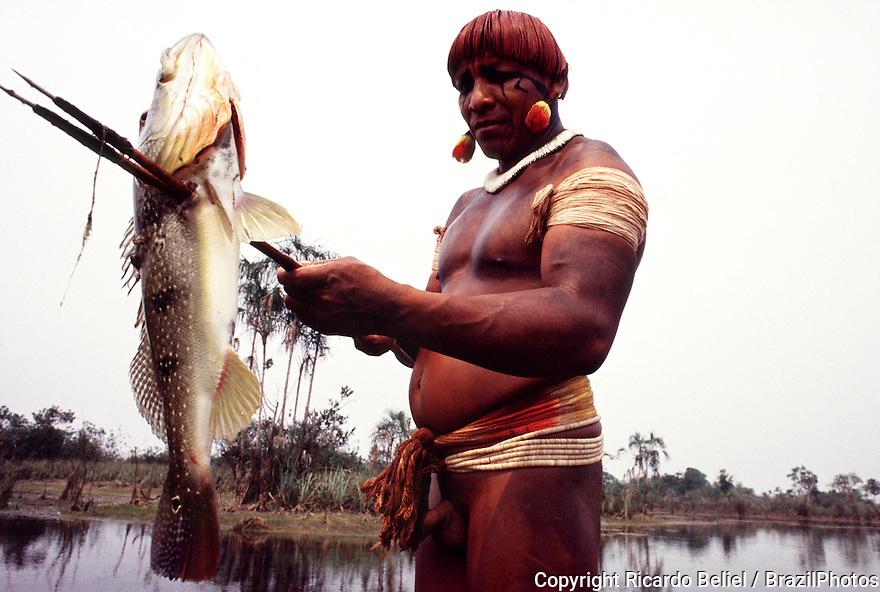 Yaulapiti Indigenous People fishing, Xingu National Park, Amazon rainforest, Brazil.