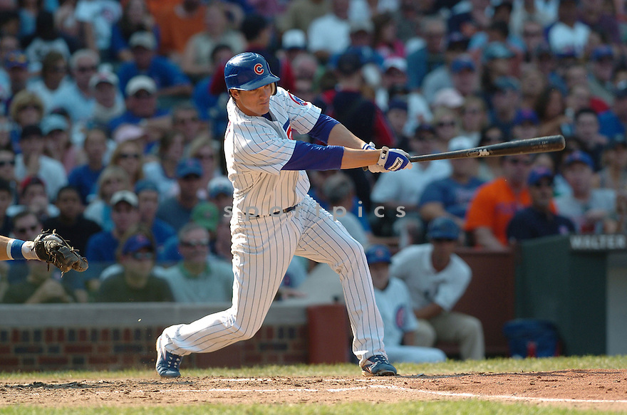 RYAN THERIOT, of the Chicago Cubs , in action during the Cubs game against the Los Angeles Dodgers in Chicago, IL on September 3, 2007...Dodger win 11-3..DAVID DUROCHIK / SPORTPICS.....