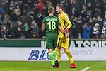 13.01.2018, Weserstadion, Bremen, GER, 1.FBL, SV Werder Bremen vs TSG 1899 Hoffenheim<br /> <br /> im Bild<br /> Niklas Moisander (Werder Bremen #18) bedankt sich bei Jiri Pavlenka (Werder Bremen #1) f&uuml;r Einsatz nach Spielende, <br /> <br /> Foto &copy; nordphoto / Ewert