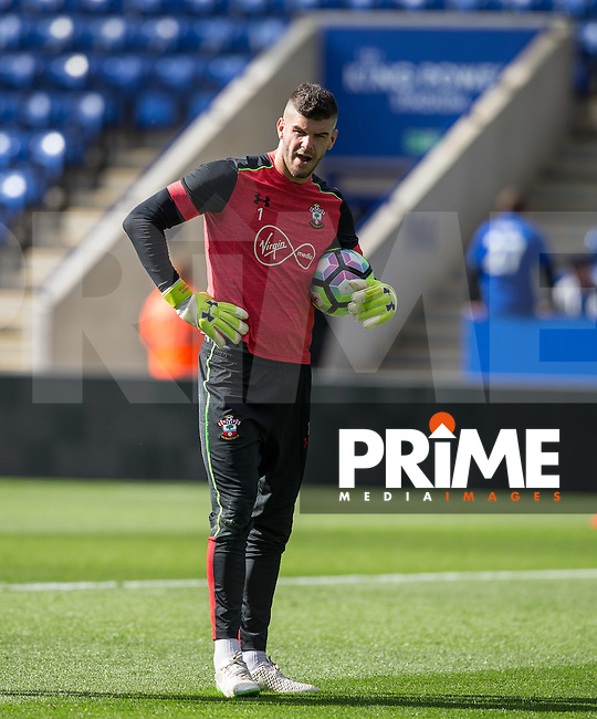 Goalkeeper Fraser Forster of Southampton pre match during the Premier League match between Leicester City and Southampton at the King Power Stadium, Leicester, England on 2 October 2016. Photo by Andy Rowland.