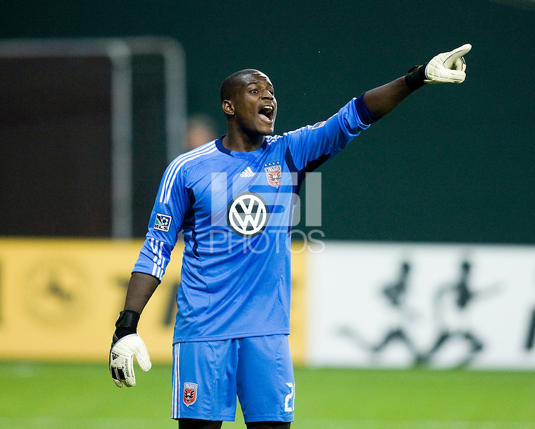Bill Hamid (28) of D.C. United  yells to his team during the game at RFK Stadium in Washington, DC.  D.C. United tied the Colorado Rapids, 1-1.