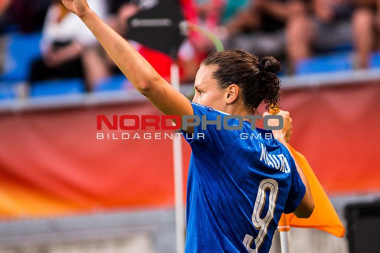 21.07.2017, Koenig Willem II Stadion , Tilburg, NLD, Tilburg, UEFA Women's Euro 2017, Deutschland (GER) vs Italien (ITA), <br /> <br /> im Bild | picture shows<br /> Ilaria Mauro (Italien #9) | (Italy #9) jubelt ueber Treffer zum 1:1 | Ilaria Mauro (Italien #9) | (Italy #9) celebrates her goal<br /> <br /> Foto © nordphoto / Rauch