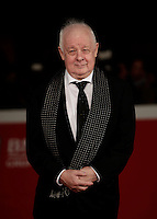 Il regista irlandese Jim Sheridan posa sul red carpet per la presentazione del film &quot;The Secret Scripture&quot; al Festival Internazionale del Film di Roma, 18 ottobre 2016.<br /> Irish director Jim Sheridan poses on the red carpet to present the movie &quot;The Secret Scripture&quot; during the international Rome Film Festival at Rome's Auditorium,18 October 2016.<br /> UPDATE IMAGES PRESS/Isabella Bonotto