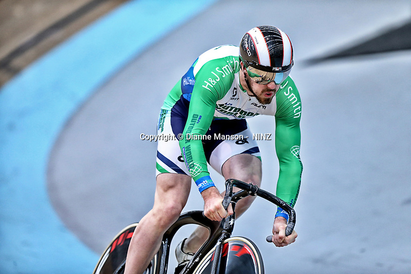 Fabian Wybrow - OBrien in the sprint at the 2015 Southland Track Championships and UCI Para-cylcing C1 Track Open, Sit Zero Fees Velodrome, Invercargill, New Zealand, Saturday, December 06, 2014. Credit:NINZ / Dianne Manson