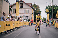 yellow jersey / GC leader Geraint Thomas (GBR/SKY) on his way to the sign-on<br /> <br /> Stage 21: Houilles > Paris / Champs-Élysées (115km)<br /> <br /> 105th Tour de France 2018<br /> ©kramon