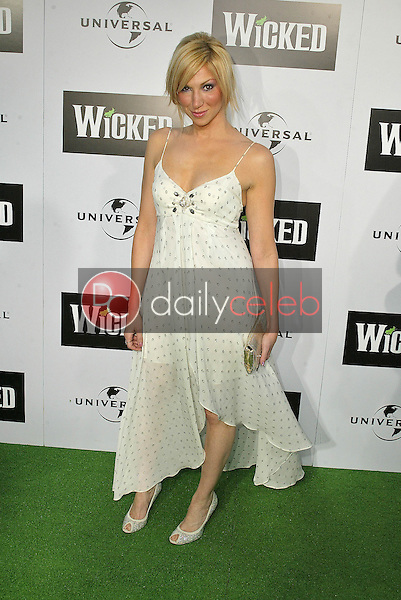 """Deborah Gibson<br /> at the LA Premiere of Universal's """"Wicked,"""" Pantages Theater, Hollywood, CA 06-22-05<br /> David Edwards/DailyCeleb.Com 818-249-4998"""