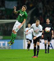USSBALL   1. BUNDESLIGA    SAISON 2012/2013    10. Spieltag   Werder Bremen - FSV Mainz 05                             04.11.2012 Nils Petersen (li, SV Werder Bremen) gegen Jan Kirchhoff (re, Mainz)