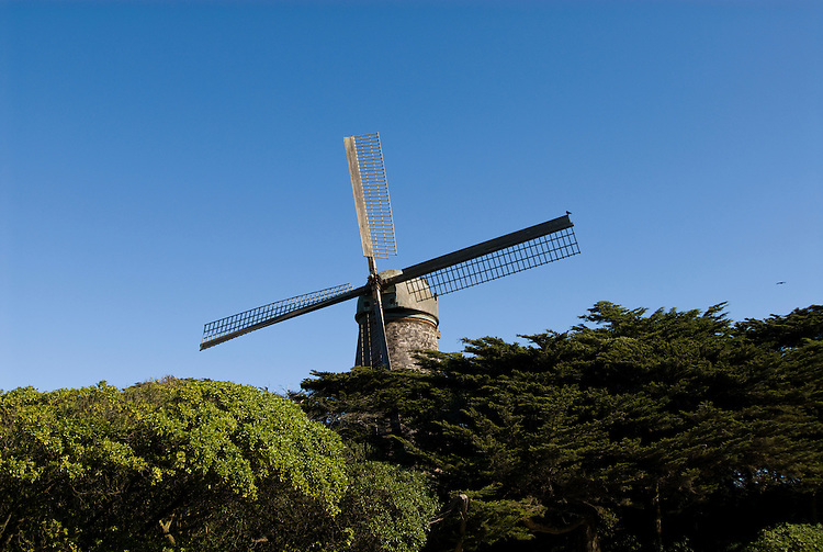 California: San Francisco. Dutch windmill in Golden Gate Park. Photo copyright Lee Foster. Photo #: 25-casanf75827