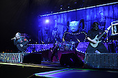 WEST PALM BEACH, FL - JULY 24: Corey Taylor, Alessandro Venturella and Mick Thomson of Slipknot perform at The Coral Sky Amphitheater on July 24, 2015 in West Palm Beach Florida. Credit Larry Marano © 2015