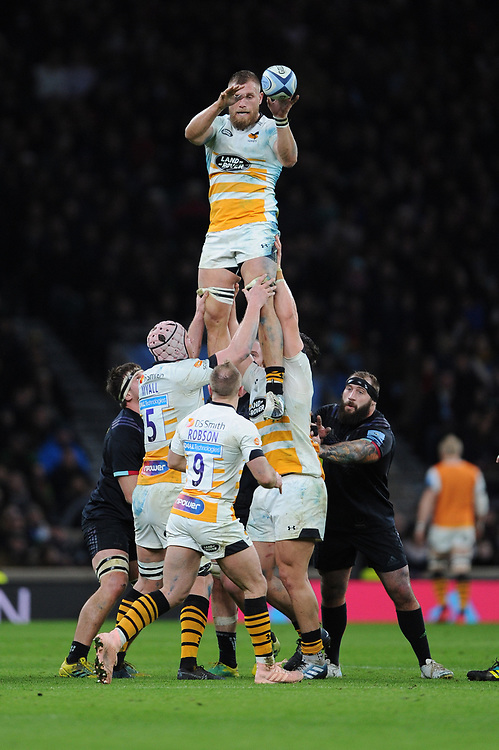 Brad Shields of Wasps wins the lineout during Big Game 11, the Gallagher Premiership Rugby match between Harlequins and Wasps, at Twickenham Stadium on Saturday 29th December 2018 (Photo by Rob Munro/Stewart Communications)