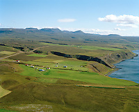 Hallbjarnarstaðir og Sólvangur séð til suðurs, Tjörneshreppur / Hallbjarnarstadir and Solvangur viewing south, Tjorneshreppur.