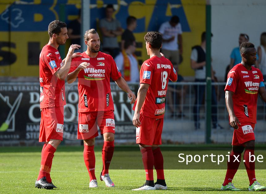 OMS Ingelmunster - KV Oostende :  vreugde bij Oostende na de 0-2 van Mathieu Cornet (midden) <br /> foto VDB / BART VANDENBROUCKE