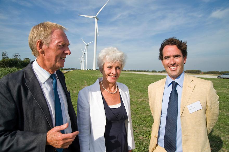 Nederland, Burgervlotbrug,  19 aug 2009.Opening windmolenpark door minister Cramer van Milieu..Foto (c) Michiel Wijnbergh