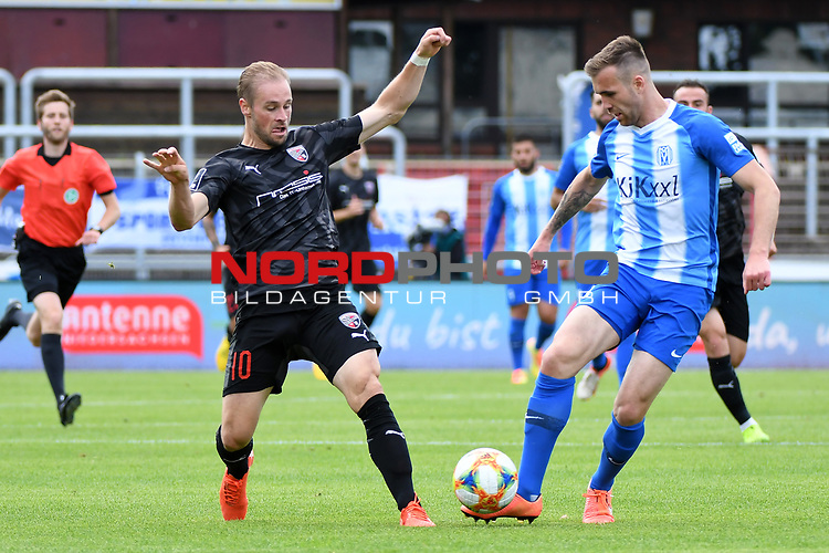 28.06.2020, Hänsch-Arena, Meppen, GER, 3.FBL, SV Meppen vs. FC Ingolstadt 04 <br /> <br /> im Bild<br /> Maximilian Beister (FC Ingolstadt 04, 10) und Marco Komenda (SV Meppen, 6) im Zweikampf, Duell, Laufduell.<br /> <br /> <br /> DFL REGULATIONS PROHIBIT ANY USE OF PHOTOGRAPHS AS IMAGE SEQUENCES AND/OR QUASI-VIDEO<br /> <br /> Foto © nordphoto / Paetzel