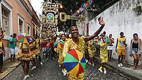 OLINDA, PE, 23.02.2014 - CARNAVAL / PERNAMBUCO / OLINDA - Folioes durante o bloco Guaiamum nas ruas do Centro Historico de Olinda, neste domingo, 23. (Foto: William Volcov / Brazil Photo Press).