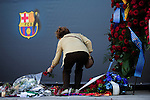 BARCELONA. 26/04/2014. CAMP NOU. FC BARCELONA. BAR'A. MUERTE DE TITO VILANOVA. GENTE ACUDE AL CAMPO PARA DAR SUS CONDOLENCIAS. FOTOS IB