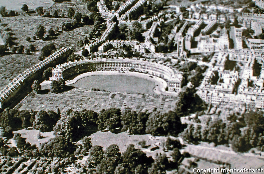 A panoramic view of the Royal Crescent in Bath, England designed by John Wood the Younger, 1767-1774. It is a great example of Georgian architecture. 500-foot-long (150 m) crescent has 114 Ionic columns on the first floor with an entablature in a Palladian style above. 30 terraced houses.