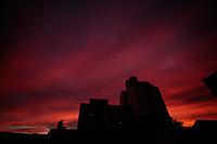 São Paulo (SP), 15/03/2020 - Clima - Céu alaranjado visto no fim de tarde, nesta quarta-feira (15), no bairro da Vila Mariana, zona sul da capital paulista.
