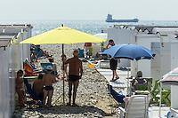 France, Seine-Maritime (76), Le Havre, classé Patrimoine Mondial de l'UNESCO,  Cabines de plage // : France, Seine Maritime, Le Havre, listed as World Heritage by UNESCO, beach huts