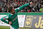 Ivan Klasnic - dreimal die Woche zur Blutwaesche - so lautet die Diagnose beim ehemaligen Werder Stuermer. Ivan ist auf eine neue Niere angwiesen - die von seinem Vater 2007 transplantierte Niere arbeitet nicht mehr. Nun wartet er auf eine neue Niere<br /> Archiv aus: <br />  FBL 2007/2008 20. Spieltag -Rückrunde<br /> Werder Bremen - 1. FC Nürnberg<br /> <br /> 2:0 durch Ivan Klasnic ( Bremen CRO #17 )<br /> <br /> Foto © nph (nordphoto )